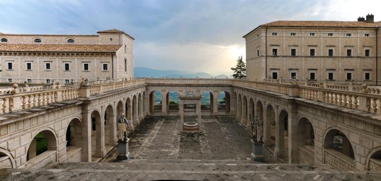 Cassino,_Abbazia_di_Montecassino_-_Exterior_011.jpg