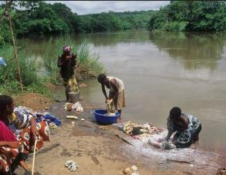water_pollution_washing_clothes_in_the_river